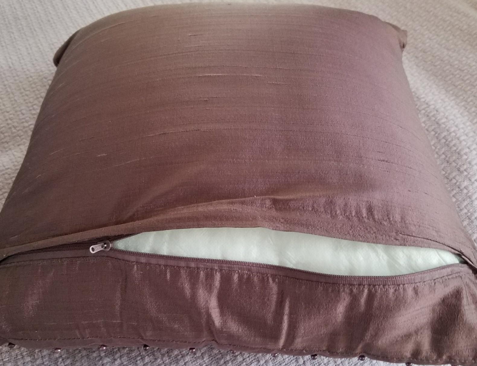 zipper pillow back 3